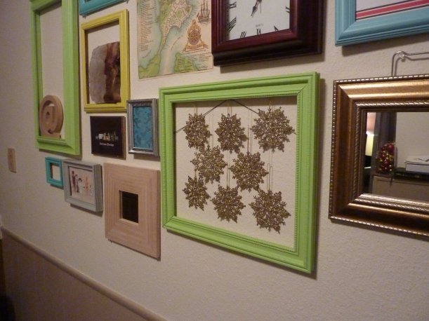 christmasified gallery wall!