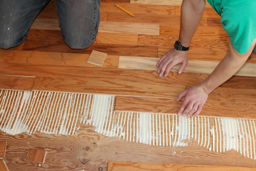 laying engineered hardwood with glue
