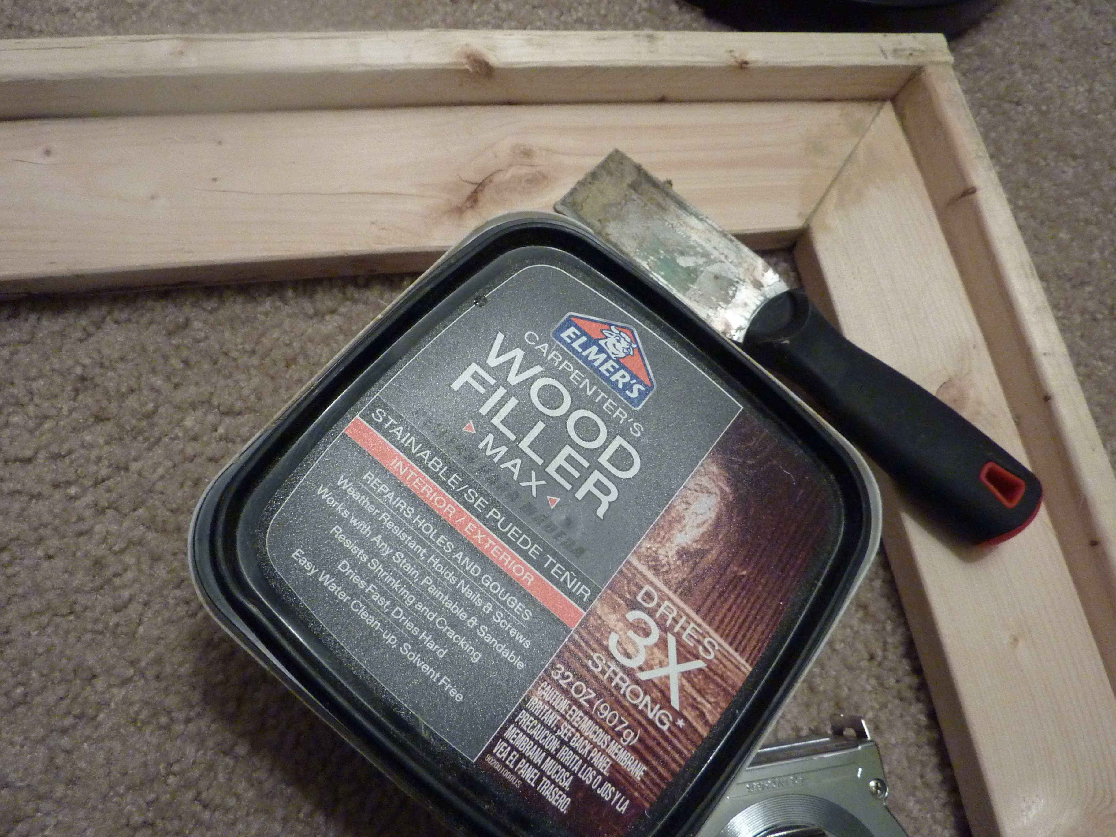 elmer's wood filler to fix gaps
