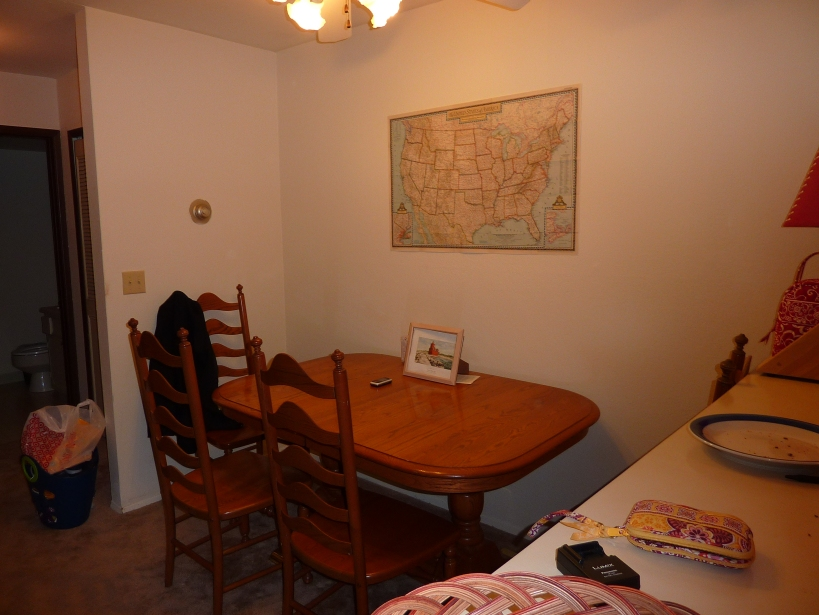 Kenny's Lansing Apartment Dining Room