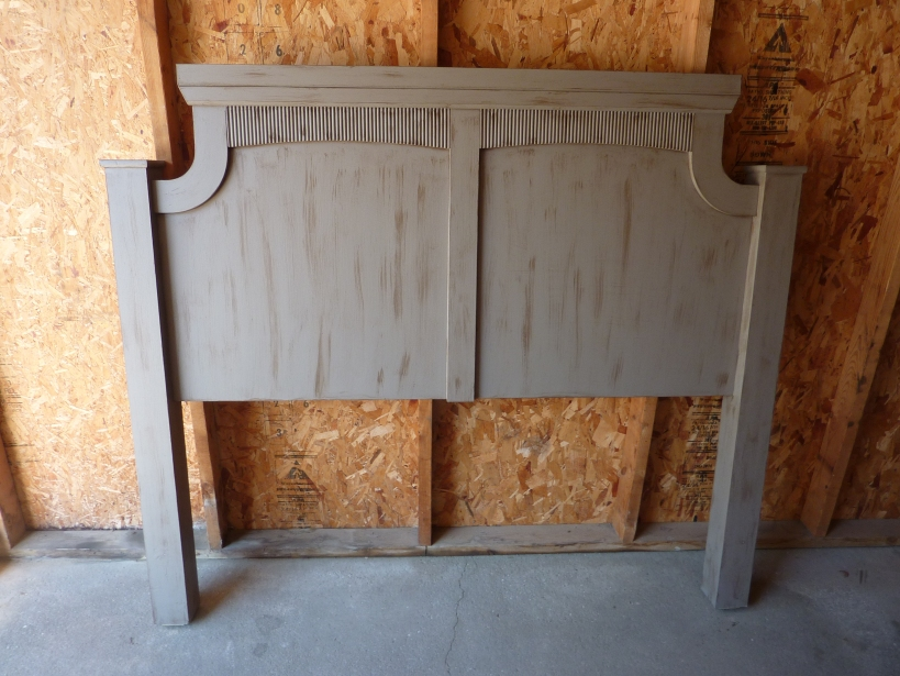 antiqued headboard (click for tutorial!)